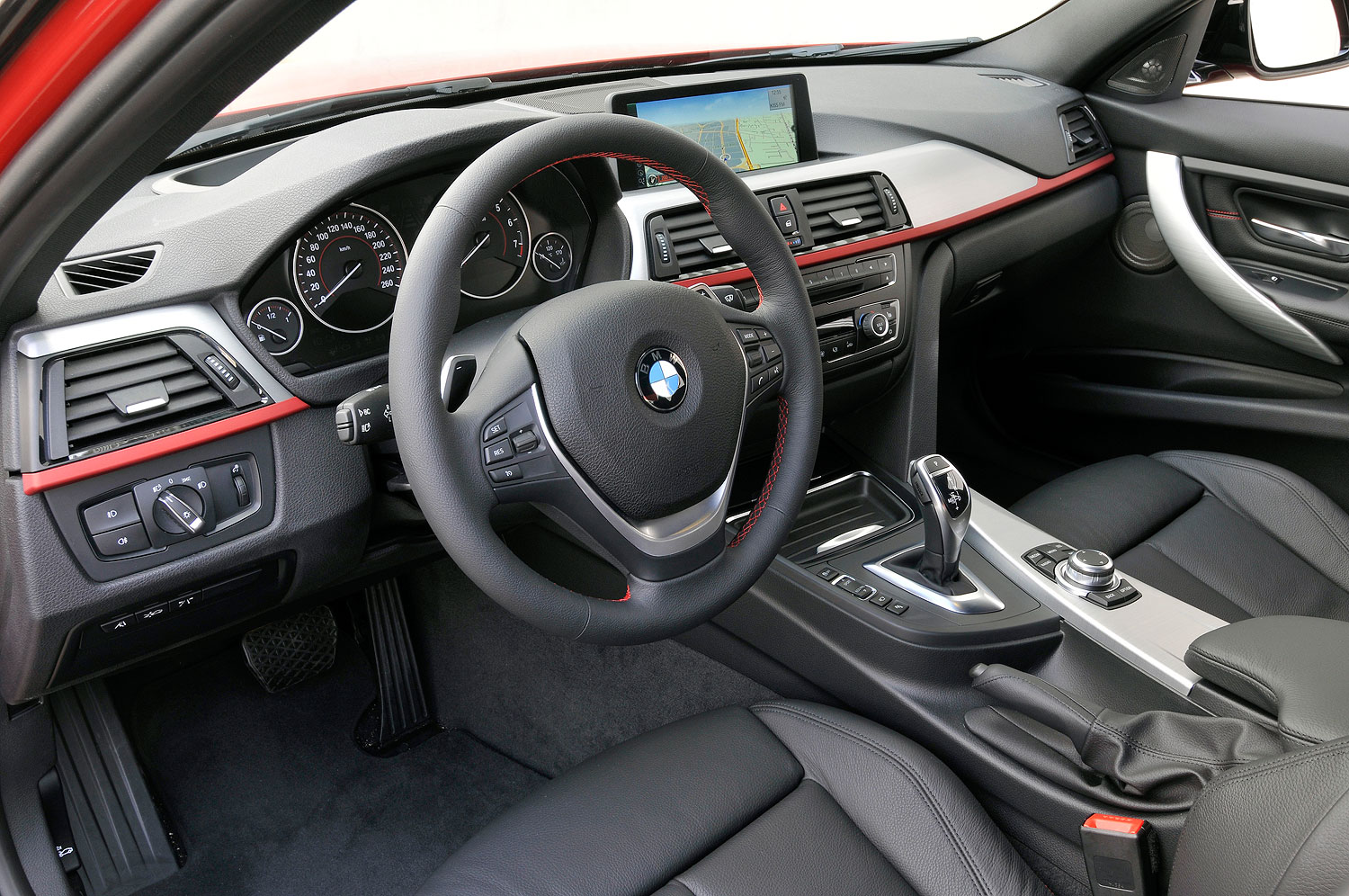 foto bmw 328i sport line cockpit vergr ert. Black Bedroom Furniture Sets. Home Design Ideas