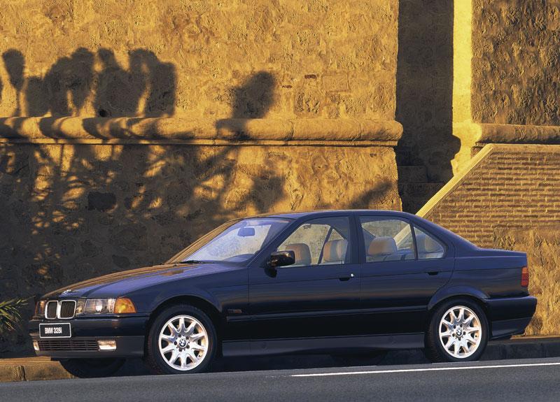 Die dritte BMW 3er Generation, Modellreihe E36