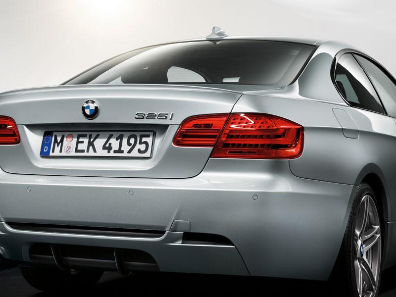 Heck des BMW 3er Coupé M Sport Edition mit Sport-Diffusor