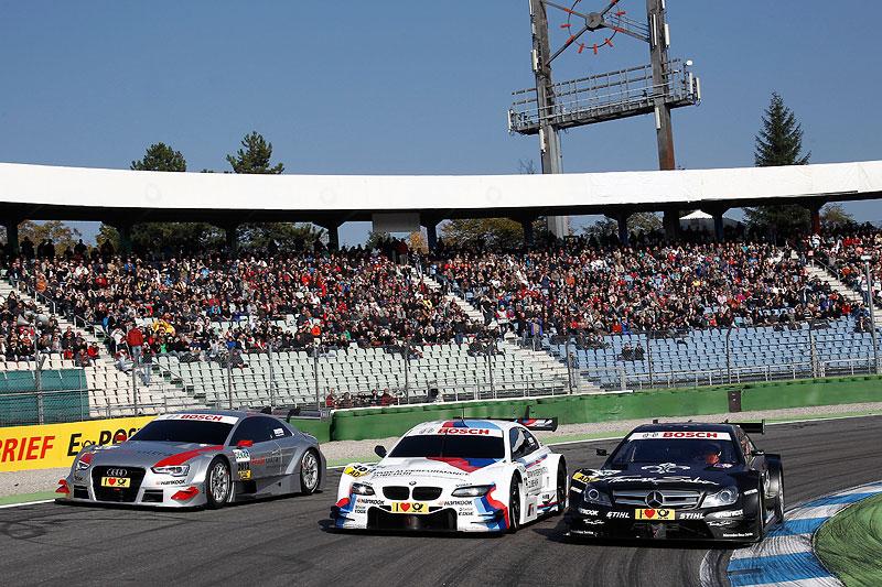BMW M3 DTM mit seinen DTM-Wettbewerbern in der Saison 2012 Audi und Mercedes