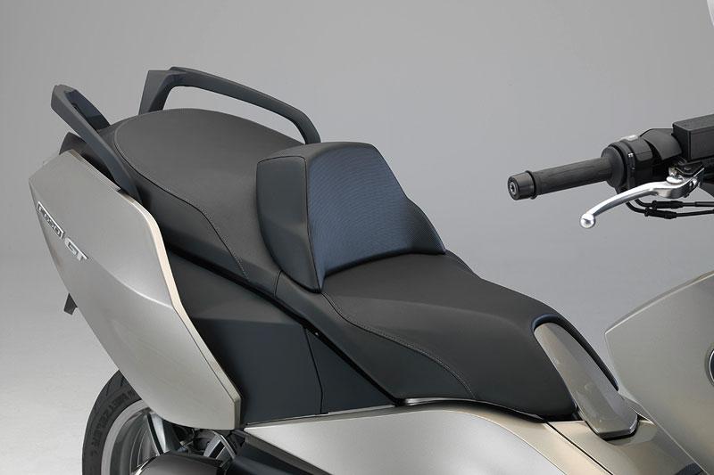 BMW C 650 GT, Sitzbank mit Rückenlehne, optional beheizbar