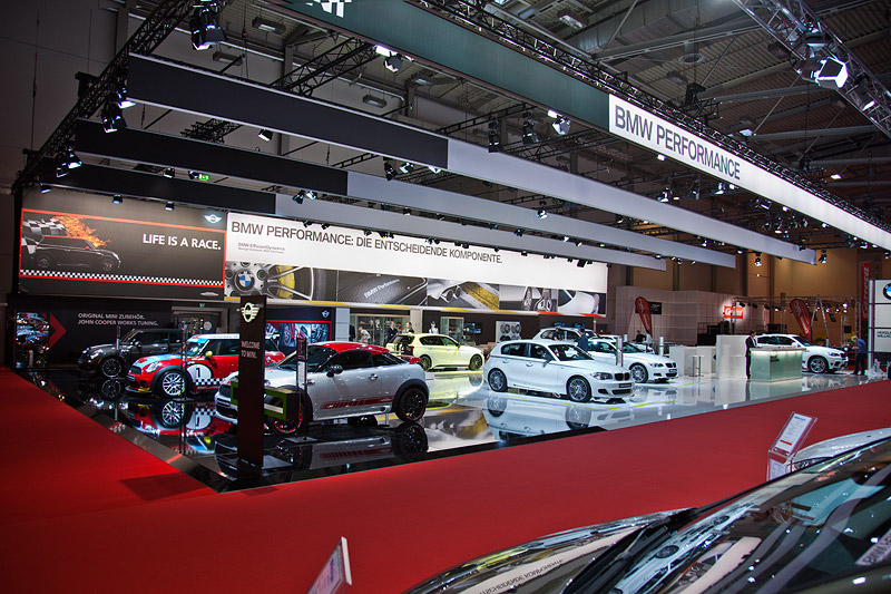 BMW und MINI Messestand auf der Essen Motor Show 2011