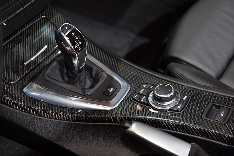 BMW 335i Cabrio Performance, Mittelkonsole mit Holz in Carbon Look