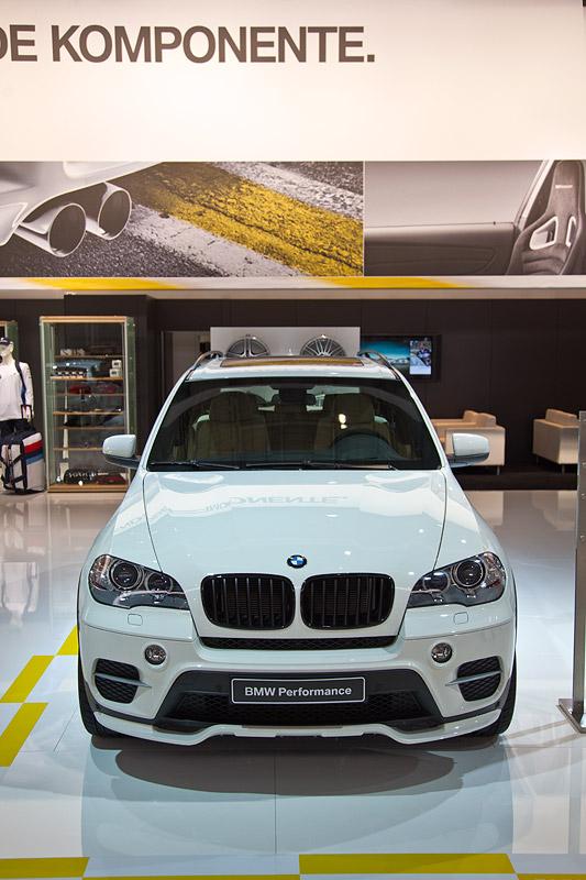 BMW X5 35i Performance mit Frontziergitter schwarz (120 Euro)