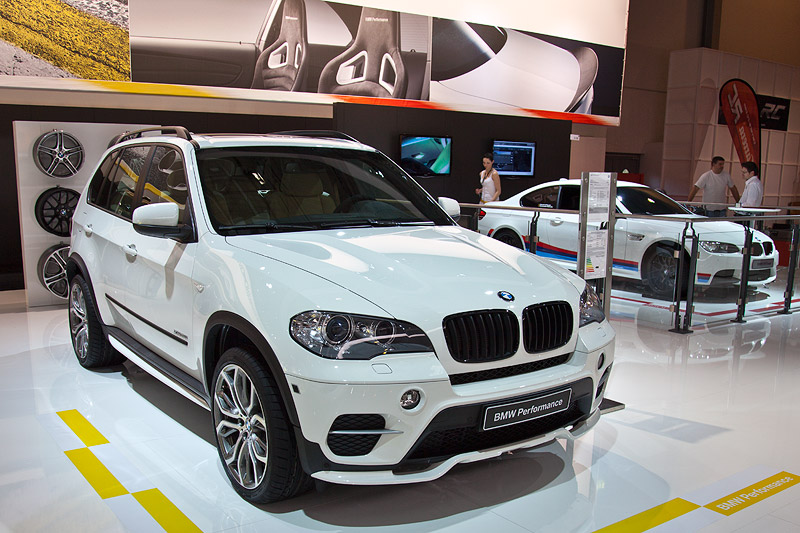 BMW X5 35i Performance mit BMW Performance Aerodynamik Paket (1.321 Euro)