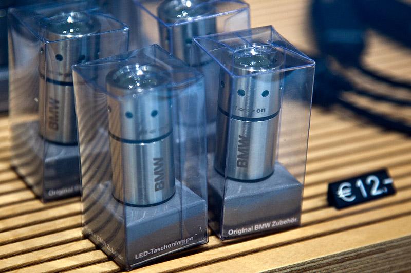 Essen Motor Show 2011: BMW LED Taschenlampe zum Preis von 12 Euro