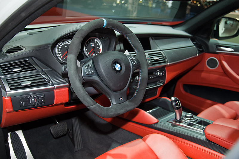 BMW X6 M Performance, Interieur mit Vollleder Merino Sakhier Orange/Schwarz Ausstattung