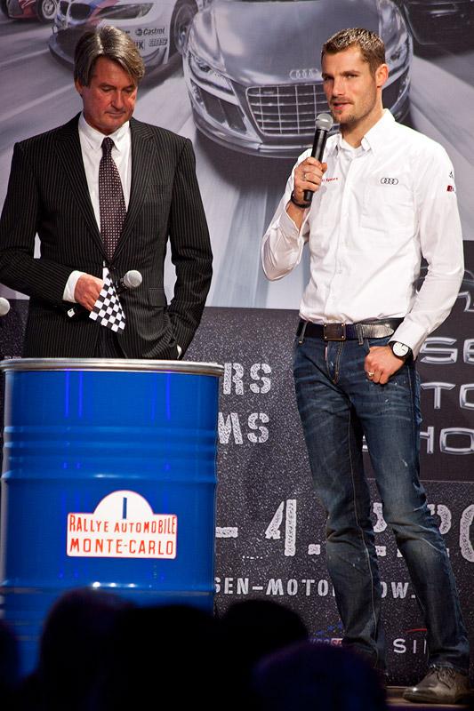 Martin Tomcyzk, künftiger BMW DTM Pilot (re.) mit seinem Vater Hermann Tomcyzk, ADAC Motorsport Präsident, bei der Eröffnungsfeier der Essen Motor Show 2011
