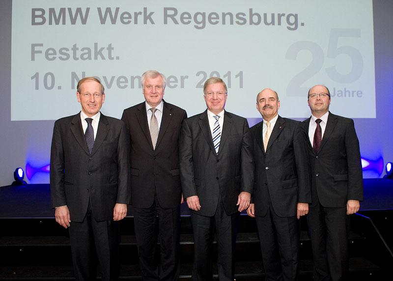 25 Jahre BMW Werk Regensburg v.l.n.r. Dr. Andreas Wendt, Horst Seehofer, Frank-Peter Arndt, Hans Schaidinger und Werner Zierer