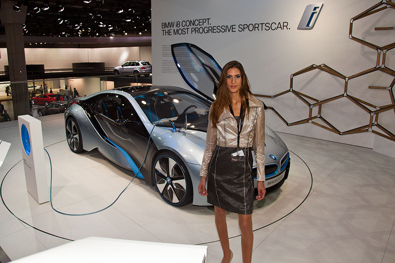 Messe-Personal bei BMW