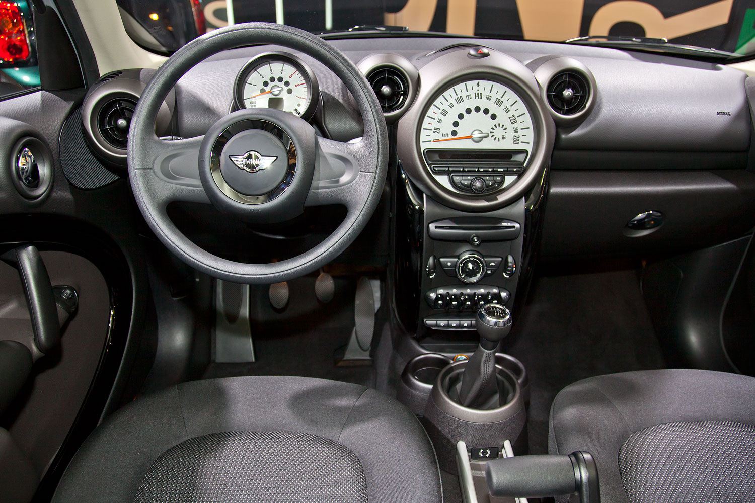 foto mini one d countryman cockpit vergr ert. Black Bedroom Furniture Sets. Home Design Ideas