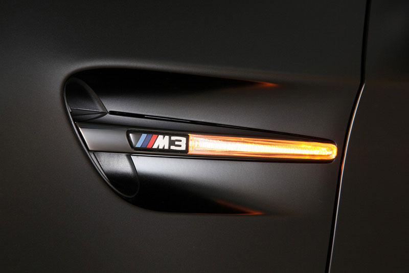 BMW Frozen Black Edition M3 Coupe, Seitenblinkelement