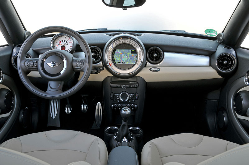 foto mini cooper sd coupe innenraum vergr ert. Black Bedroom Furniture Sets. Home Design Ideas