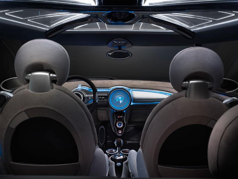 MINI Rocketman Concept, Innenraum, bleu beleuchtet.
