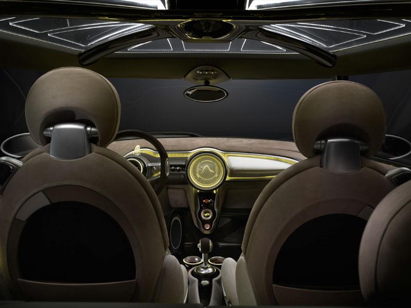 MINI Rocketman Concept, Innenraum, gelb beleuchtet.