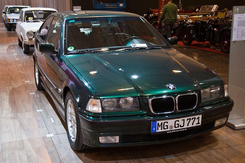 BMW 323ti compact von Jürgen Römer (BMW 3er Club E36) auf der Techno Classica 2011