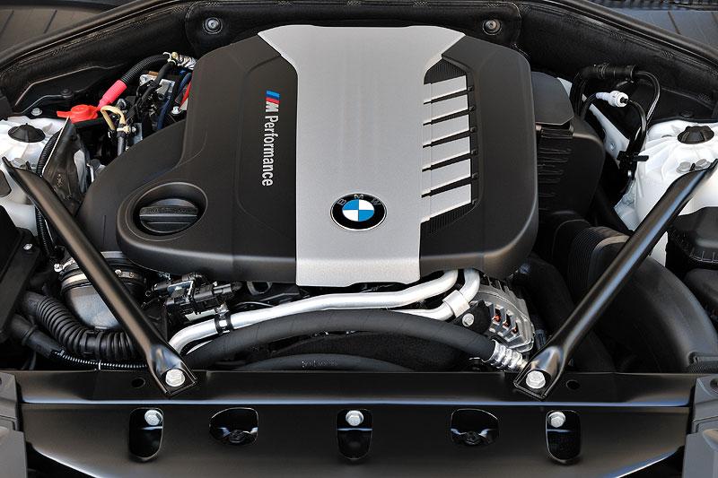 BMW 750d xDrive (F01 LCI), TriTurbo 6-Zylinder Dieselmotor mit 381 PS