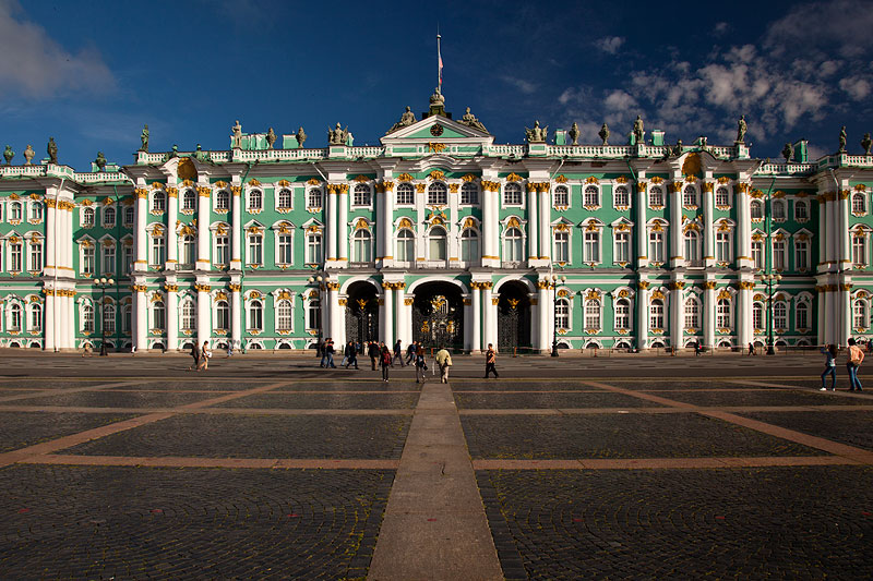 Winterpalast mit der berühmten Eremitage, Haupteingang