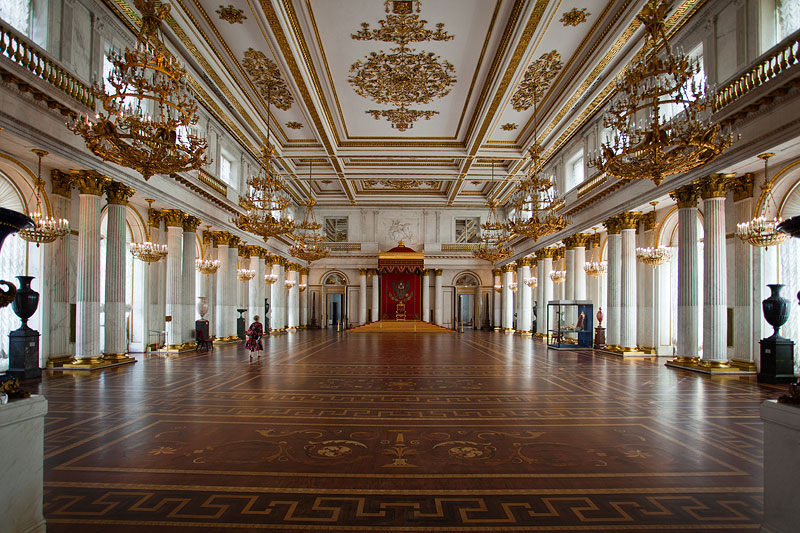 großer Saal mit Thron in der Eremitage, Winterpalast, St. Petersburg