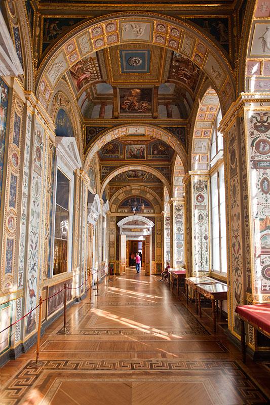 Raffael-Loggien in der Neuen Eremitage sind ein kompletter Nachbau eines von Raffael gestalteten Gangs im Vatikan