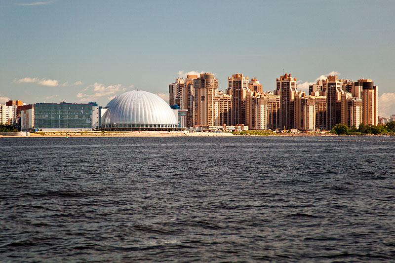 St. Petersburg an der Mündung zum Finnischen Meerbusen / Ostsee