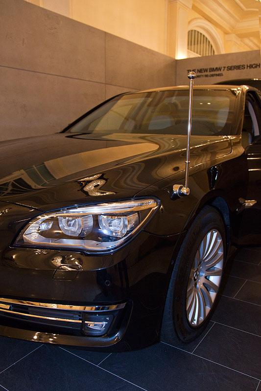 optionaler Standartenträger am BMW 760Li High Security (F03 LCI)