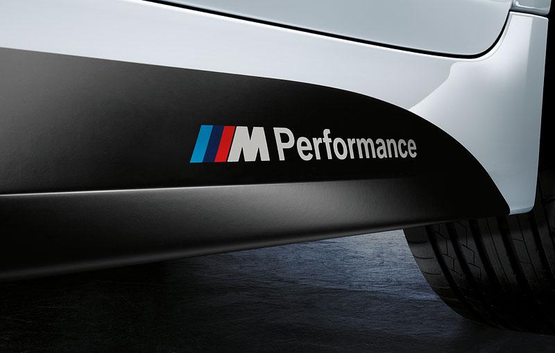 BMW M Performance Seitenschweller links, BMW M Performanced Badge