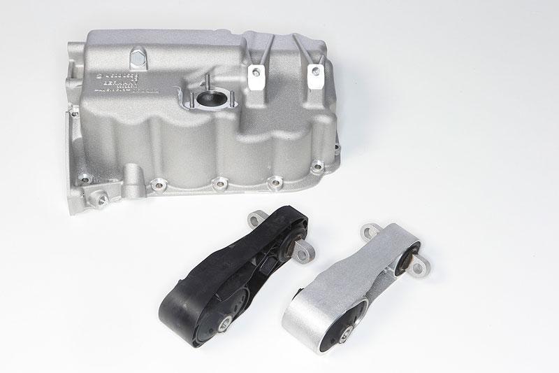 Motorpendelstütze aus Kunststoff und optimierte Anbindung an Ölwanne