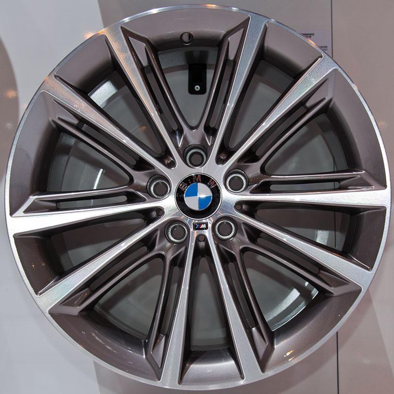 BMW M Performance 20 Zoll V-Speiche 464 M, Satz: 4.052,- Euro