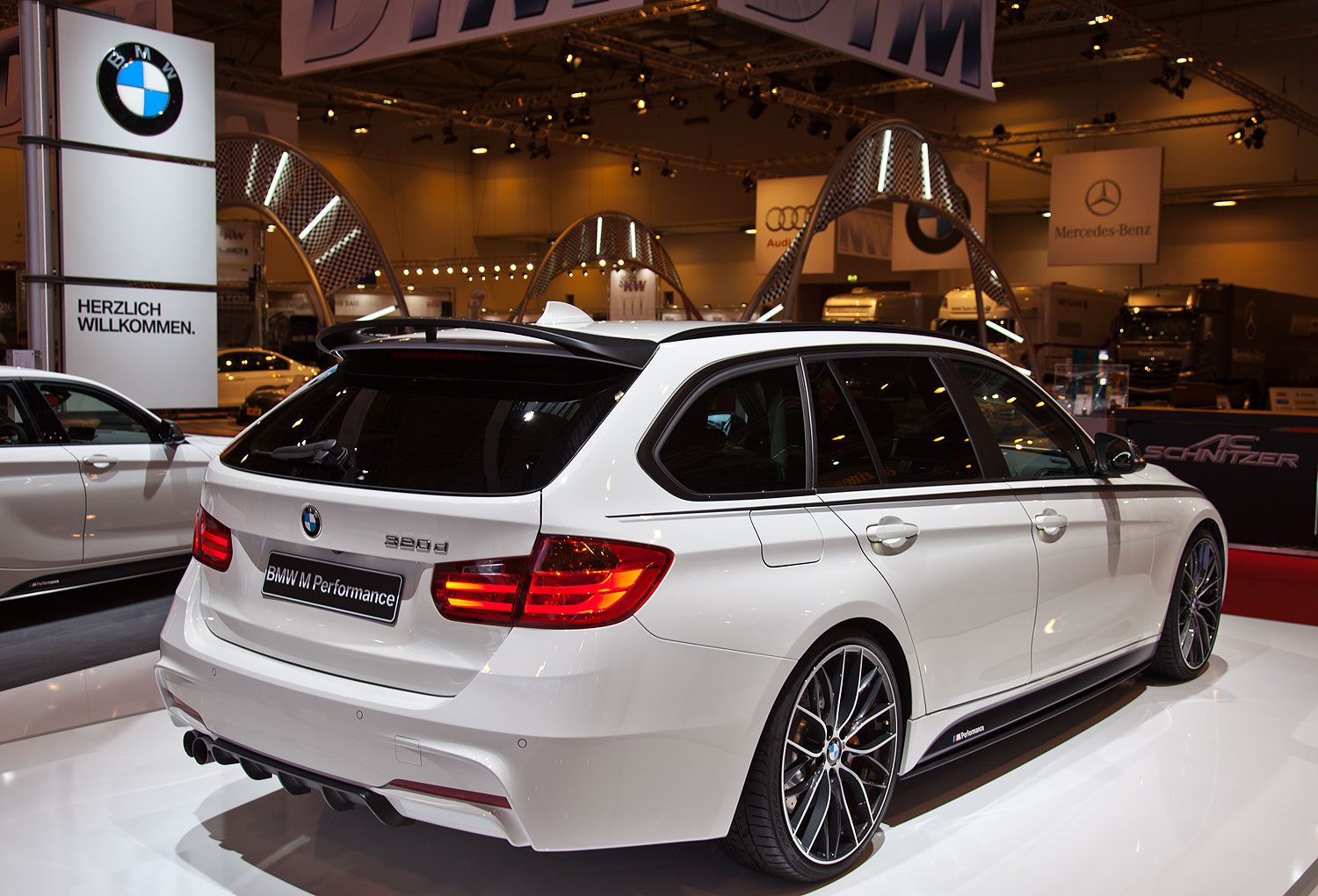 foto bmw 320d touring f31 mit bmw m performance. Black Bedroom Furniture Sets. Home Design Ideas