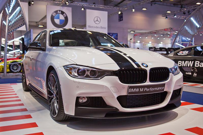 BMW 3er Limousine (F30) mit BMW M Performance Komponenten