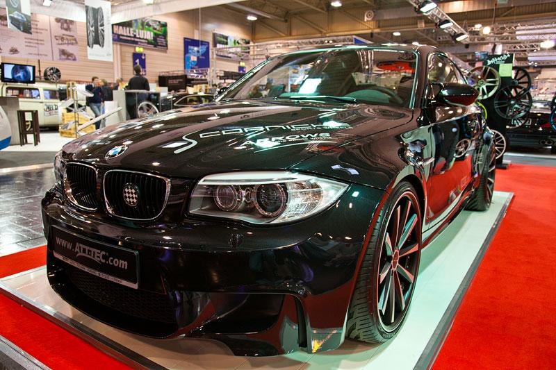 BMW 1er M Coupé, mit Gewindefahrwerk KW Inox und Akrapovic Abgasanlage