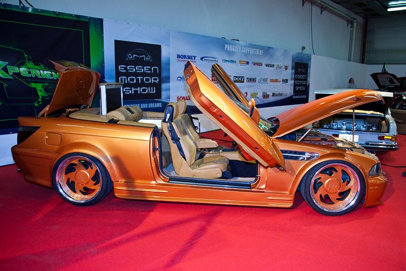 BMW 3er Cabrio (E36), jedes Karosserieteil wurde geändert, Armaturenbrett mit versetztem Kombi-Instrument
