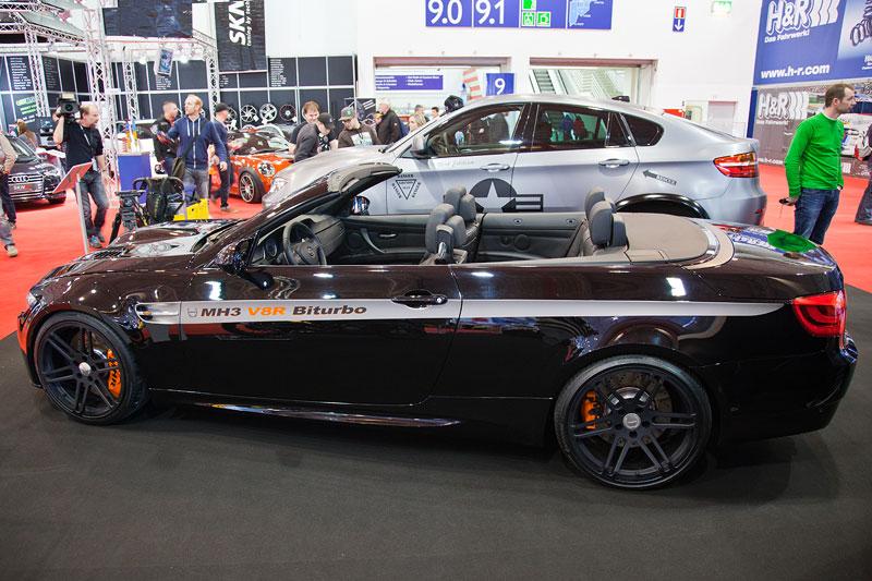 Manhart MH3 V8 R Biturbo Cabriolet mit MHR Carbon Motorhaube, Diffusor, Dekorstreifen. Tachoerweiterung auf 400 km/h.