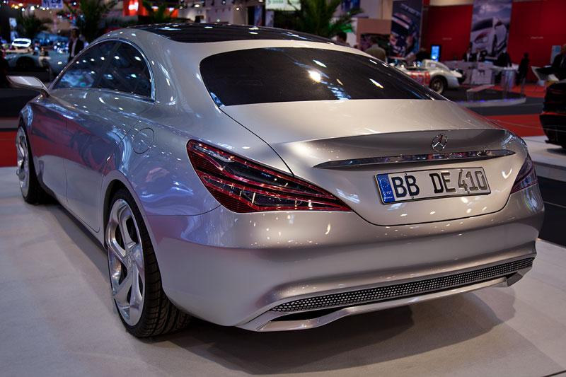 Mercedes-Benz Concept Style Coupé, mit Zweiliter-Vierzylinder-Turbobenziner mit 211 PS