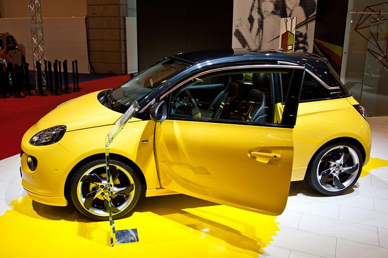 Deutschland-Premiere für den neuen Opel Adam auf der Essen Motor Show 2012