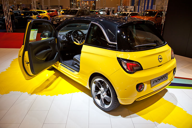 foto opel adam in sunny gelb uni sonderfarbe mit interieur color paket 39 yellow 39 vergr ert. Black Bedroom Furniture Sets. Home Design Ideas