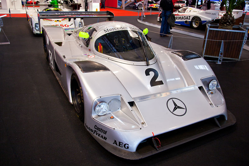 Mercedes-Benz C11 aus dem Jahr 1990, 8-Zylinder Turbo, 4.973 ccm, 730 PS, WM-Fahrzeug, Siege in 7 der 9 WM-Rennen, Fahrer: u. a. Jean-Louis Schlesser