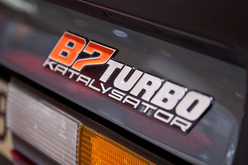 BMW Alpina B7 Turbo Katalysator (E28), Typschild auf der Kofferraumklappe