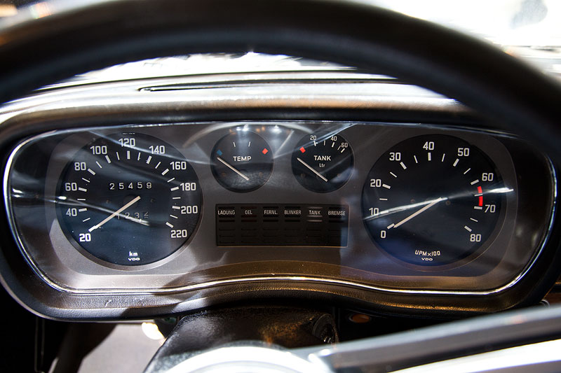 BMW 3,0 S (E3), Tachometer