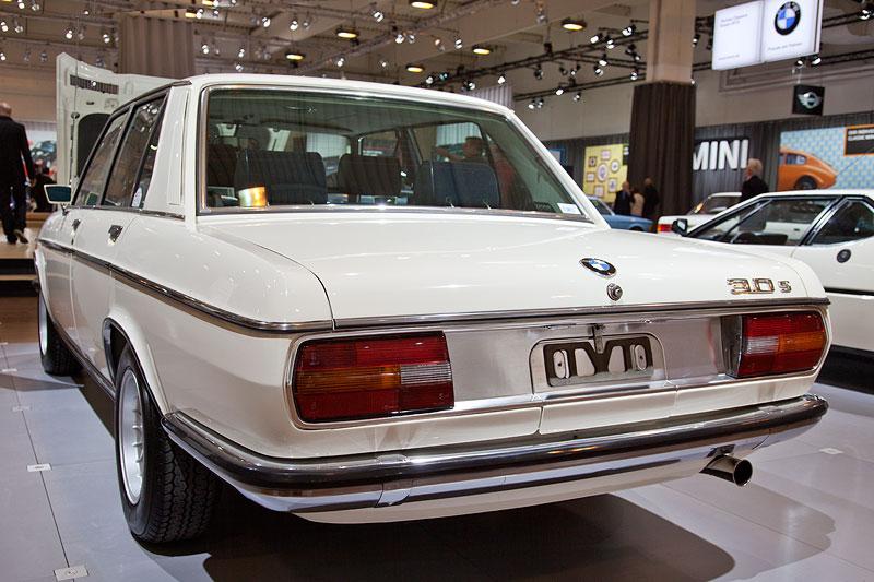 BMW 3,0 S (E3), 6-Zylinder Reihen-Motor mit 180 PS