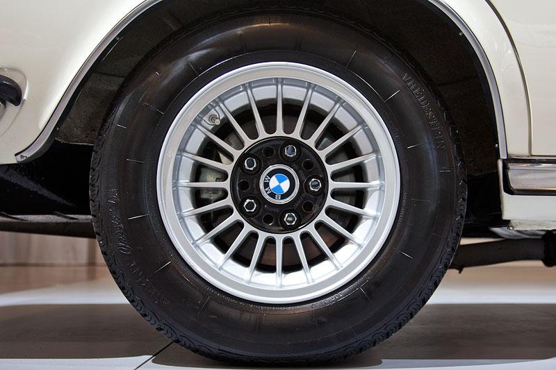 BMW 3,0 S (E3), Rad