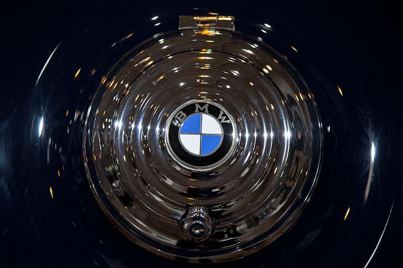 BMW 327 Sport-Kabriolett, BMW Logo auf dem Ersatzrad