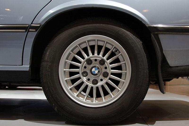 BMW 518 (Modell E12), Rad