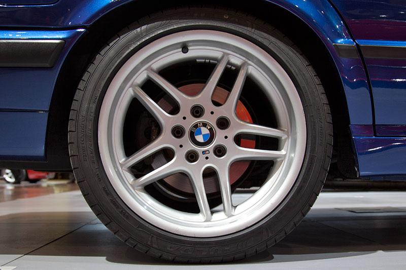 BMW 540i touring (Modell E34), BMW Rad M Speiche Parallel