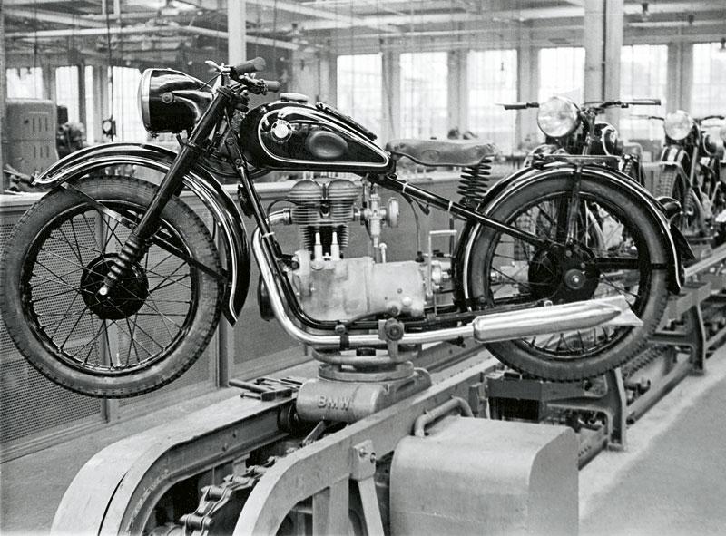 Wiederbeginn nach dem Krieg mit der BMW R 24 - 1948