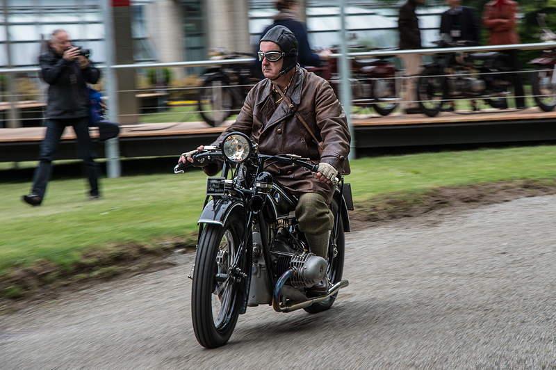 BMW Motorrad. Concept Ninety. Street Run.