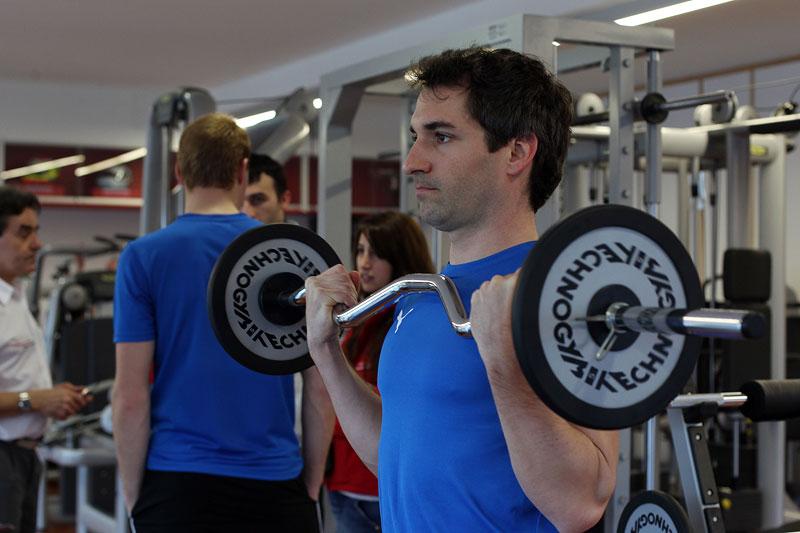 Timo Glock beim Fitness-Trainig.