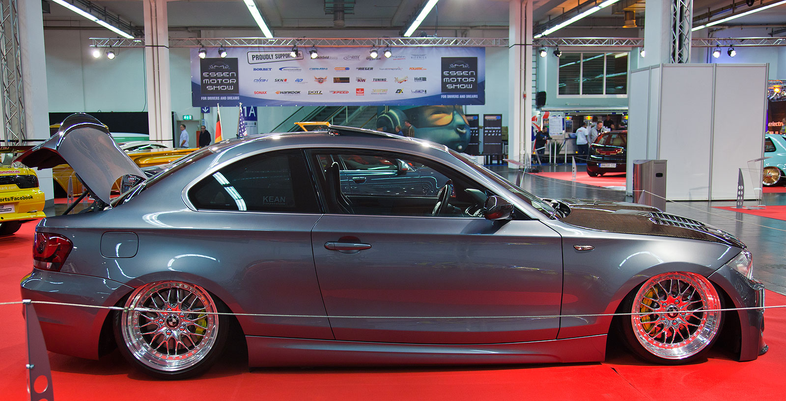 foto essen motor show 2013 bmw 123d mit custom airride. Black Bedroom Furniture Sets. Home Design Ideas