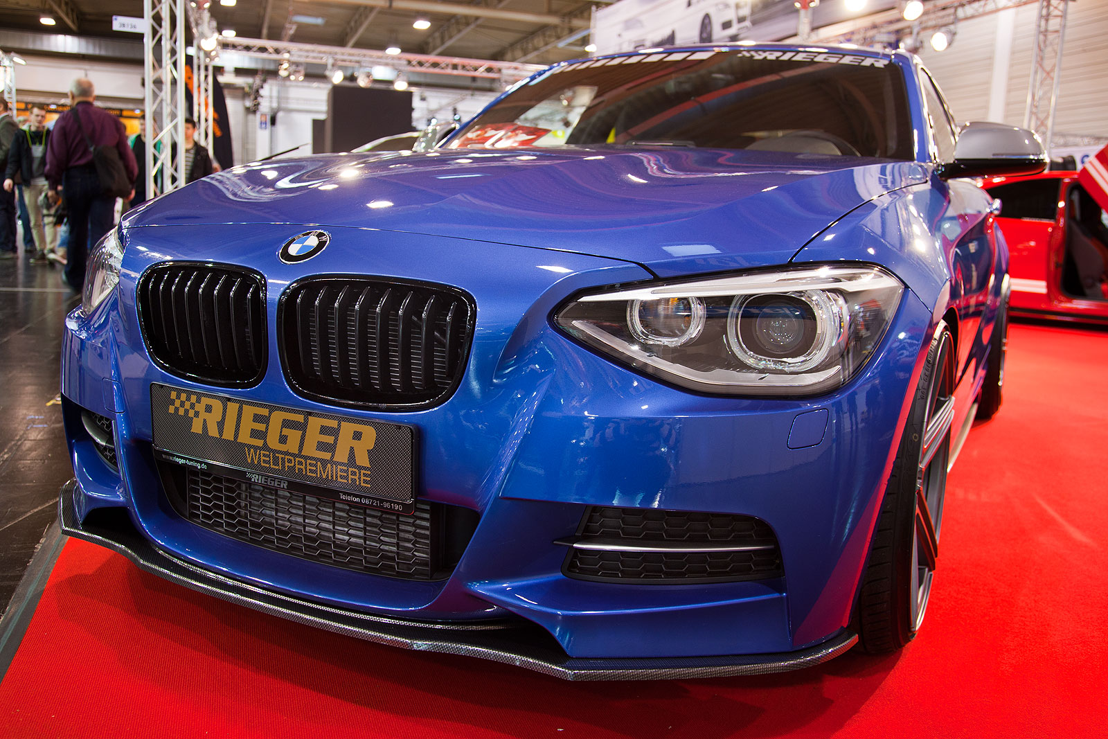 foto essen motor show 2013 bmw m135i in estorilblau. Black Bedroom Furniture Sets. Home Design Ideas